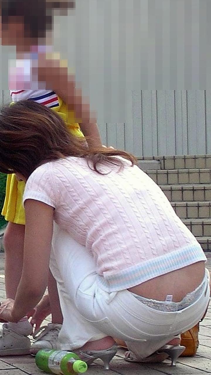 子連れ妻のパンチラ盗撮エロ画像30枚・13枚目の画像