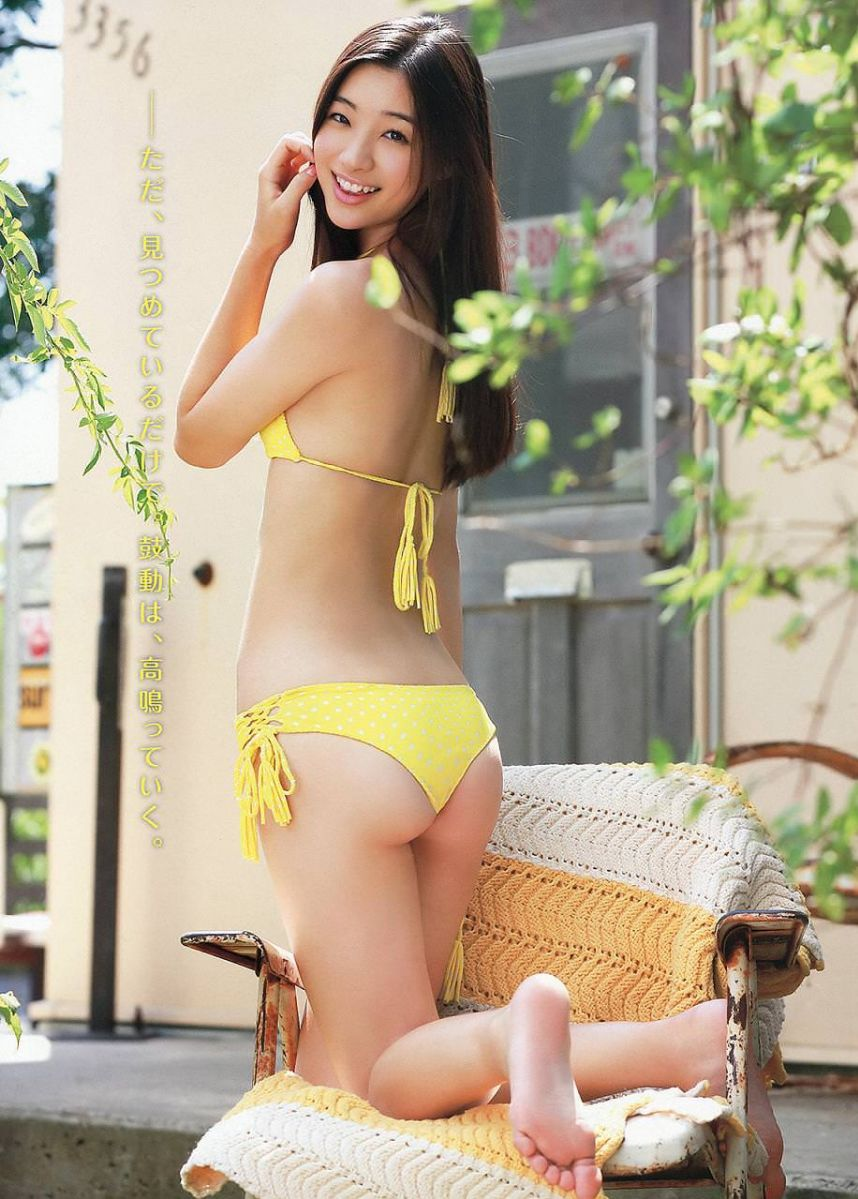 足立梨花(24)の最新セクシー下着姿&水着姿のエロ画像63枚・29枚目の画像