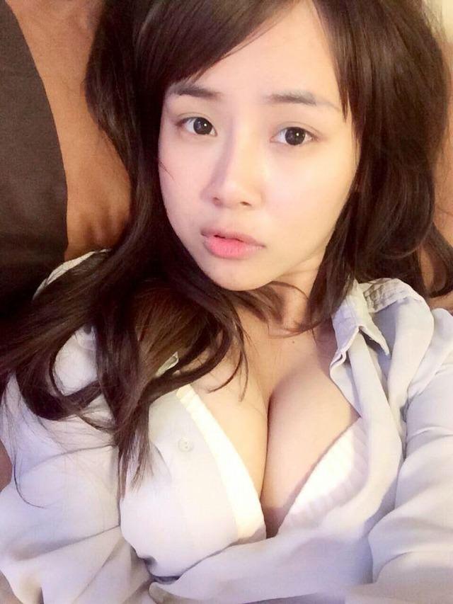 台湾美女の全裸自画撮りヌードエロ画像37枚・19枚目の画像