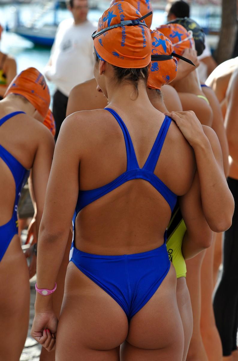 外国人の胸ポチ、ハミ尻が抜ける競泳水着姿のエロ画像33枚・20枚目の画像