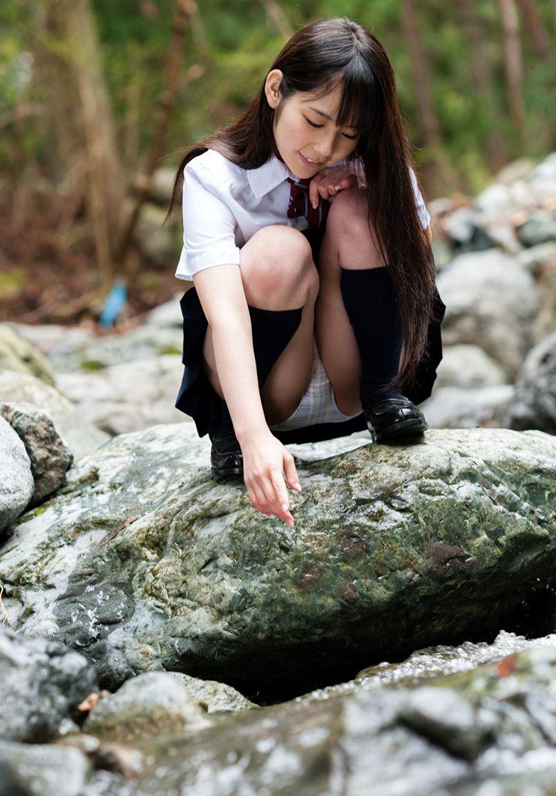 JKパンチラ!女子高生の制服姿のエロ画像32枚・27枚目の画像