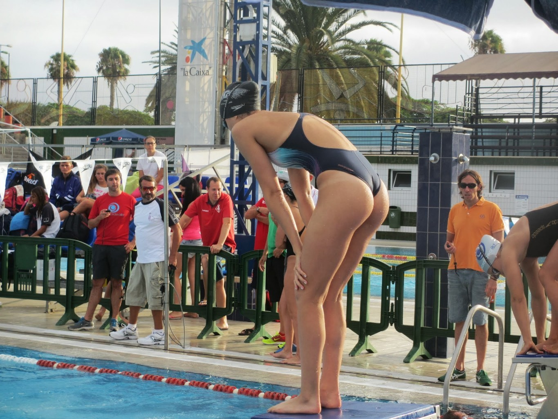 外国人の胸ポチ、ハミ尻が抜ける競泳水着姿のエロ画像33枚・24枚目の画像