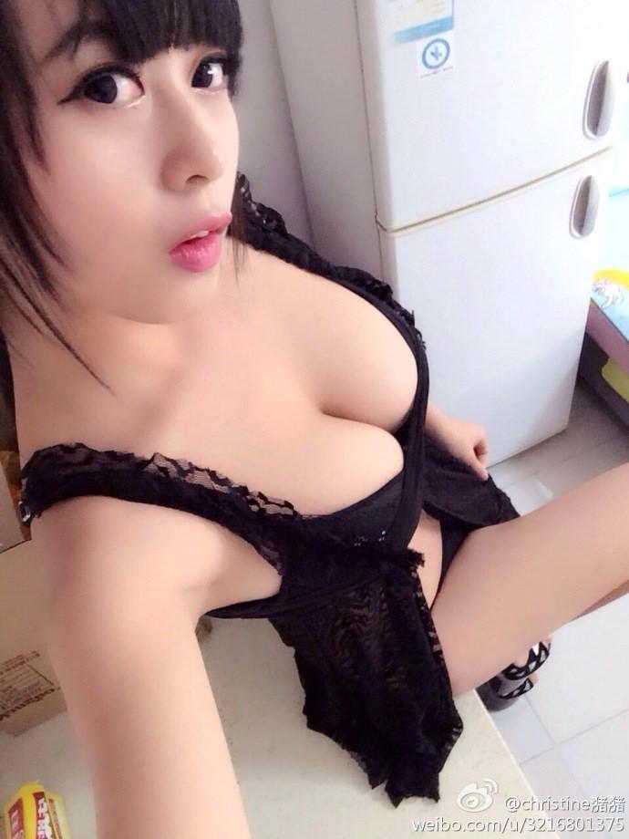 台湾美女の全裸自画撮りヌードエロ画像37枚・30枚目の画像