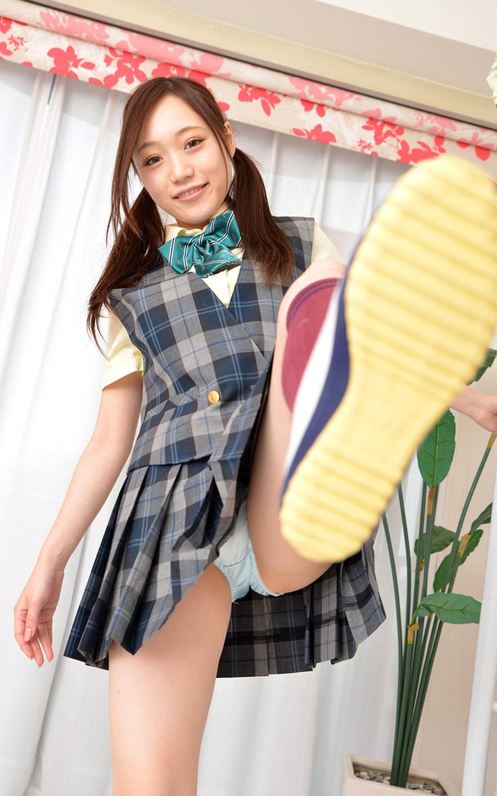 JKパンチラ!女子高生の制服姿のエロ画像32枚・37枚目の画像