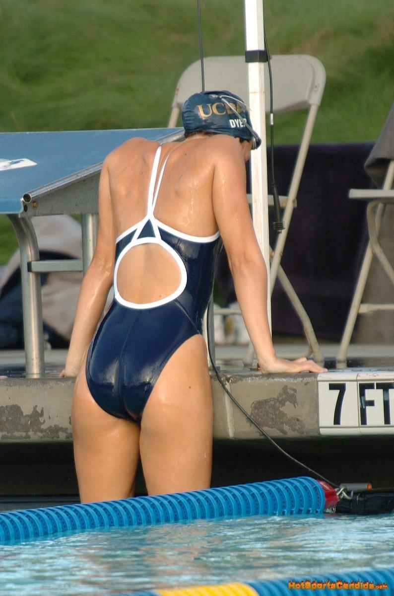 外国人の胸ポチ、ハミ尻が抜ける競泳水着姿のエロ画像33枚・38枚目の画像