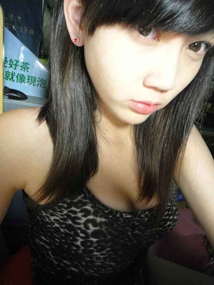 台湾美女の全裸自画撮りヌードエロ画像37枚・38枚目の画像
