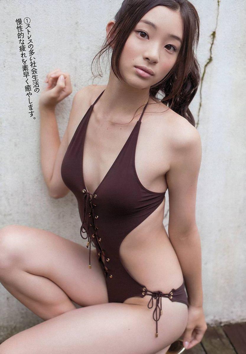 足立梨花(24)の最新セクシー下着姿&水着姿のエロ画像63枚・57枚目の画像