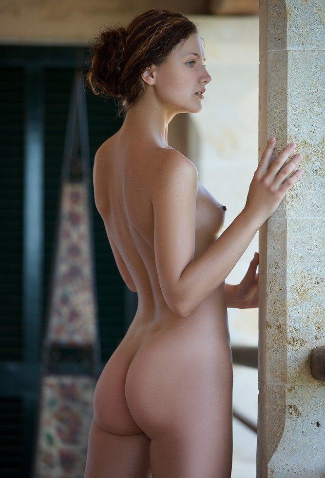 海外美女限定の洋モノヌードエロ画像50選・48枚目の画像