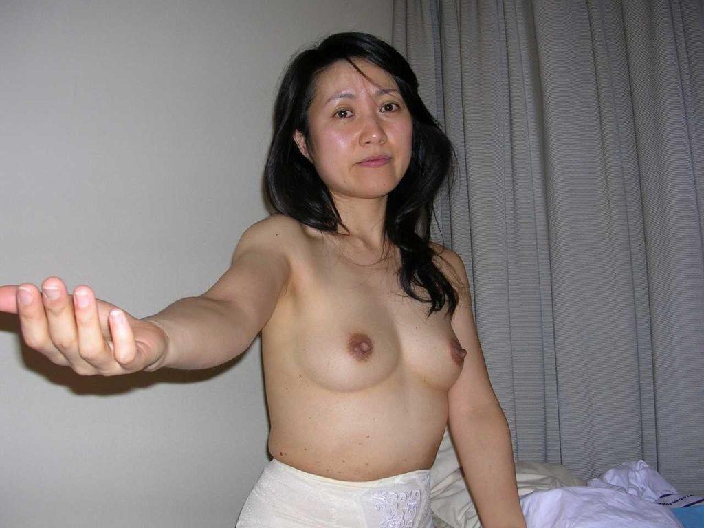 不倫してる人妻のハメ撮りエロ画像85枚・53枚目の画像