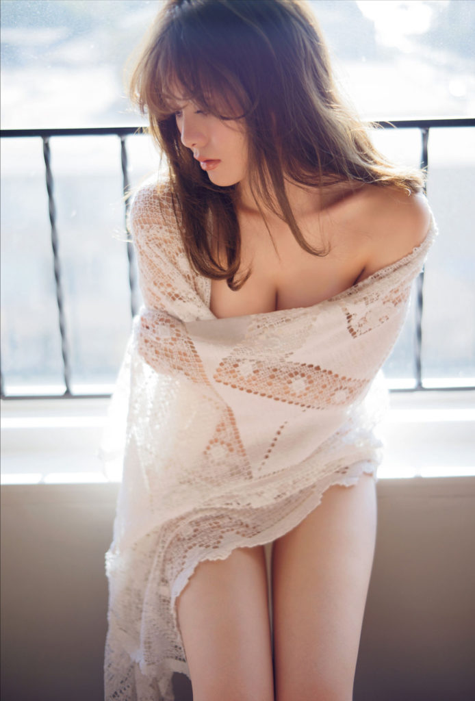 白石麻衣(25)の写真集&最新グラビアエロ画像180枚・115枚目の画像