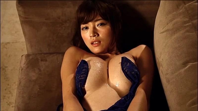 伊藤しほ乃のヌードエロ画像が100連発!元女芸人のGカップエロすぎ…!・94枚目の画像