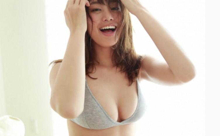 稲村亜美「神スイング」最新ミズ着グラビアえろ写真53枚