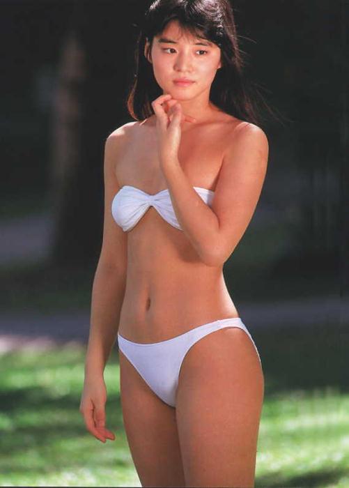 石田ゆり子 ヌード濡れ場&水着グラビア!全盛期の抜けるエロ画像46選・5枚目の画像
