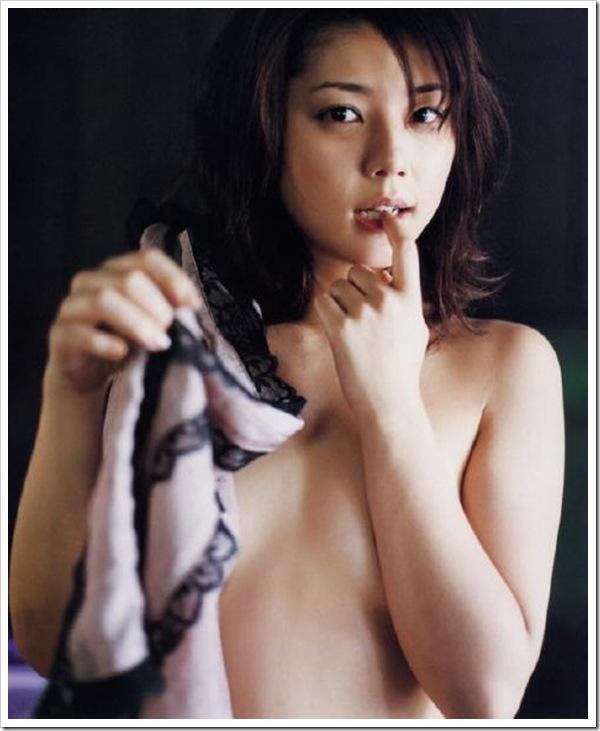 吉岡美穂(37)全盛期のヌードやグラビアエロ画像60枚・6枚目の画像