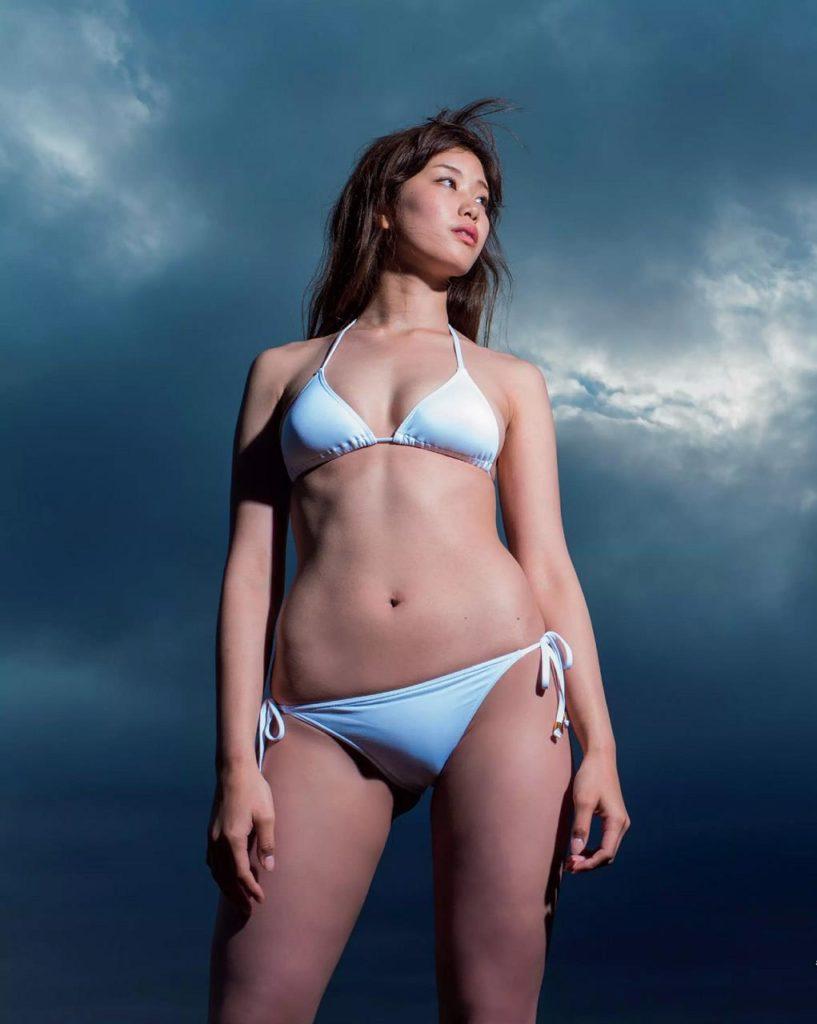 稲村亜美「神スイング」最新水着グラビアエロ画像53枚
