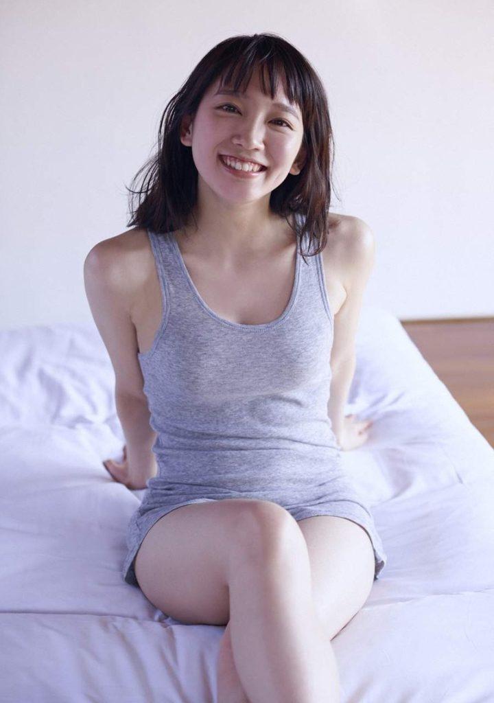 吉岡里帆 最新エロ画像60枚!巨乳清楚系であざといエロ女優!・9枚目の画像