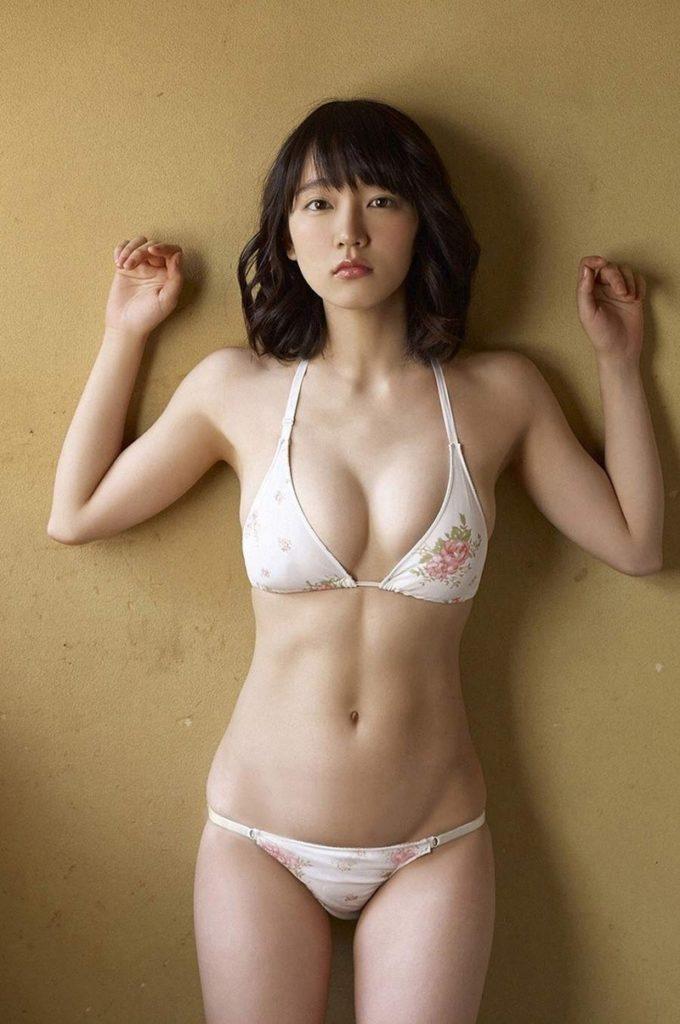 吉岡里帆 最新エロ画像60枚!巨乳清楚系であざといエロ女優!・12枚目の画像