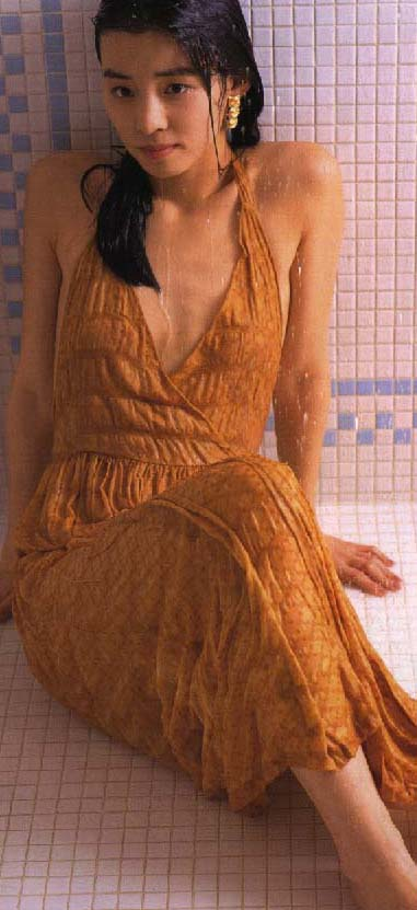 石田ゆり子 ヌード濡れ場&水着グラビア!全盛期の抜けるエロ画像46選・14枚目の画像