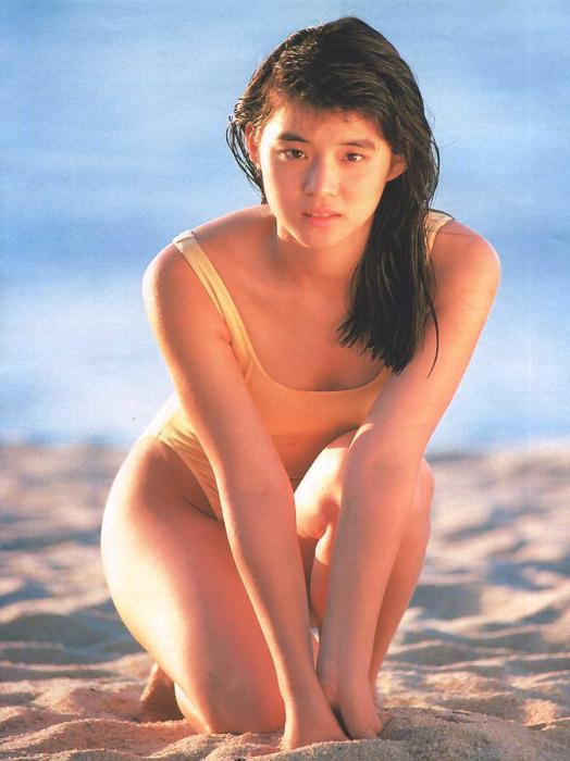 石田ゆり子 ヌード濡れ場&水着グラビア!全盛期の抜けるエロ画像46選・16枚目の画像