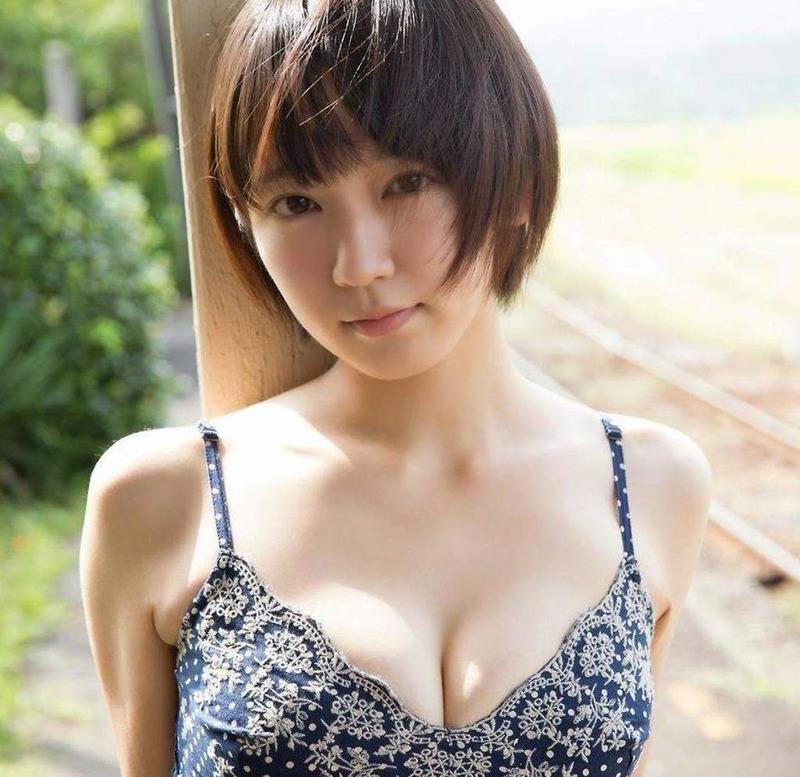 吉岡里帆 最新エロ画像60枚!巨乳清楚系であざといエロ女優!・16枚目の画像