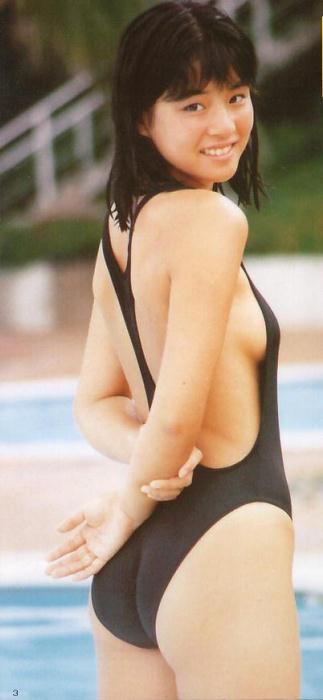 石田ゆり子 ヌード濡れ場&水着グラビア!全盛期の抜けるエロ画像46選・20枚目の画像