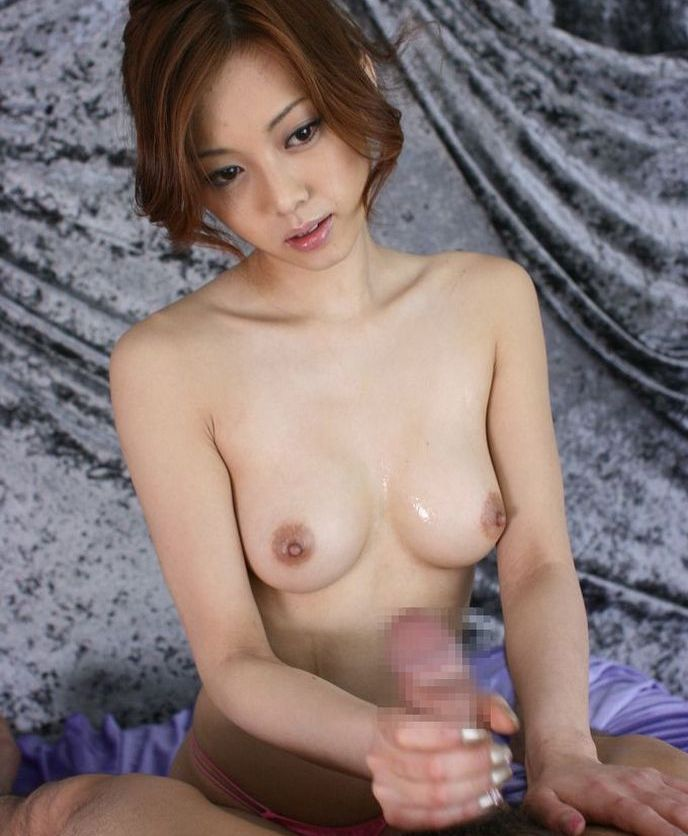 現役バリバリの美熟女のヌードエロ画像50枚・21枚目の画像