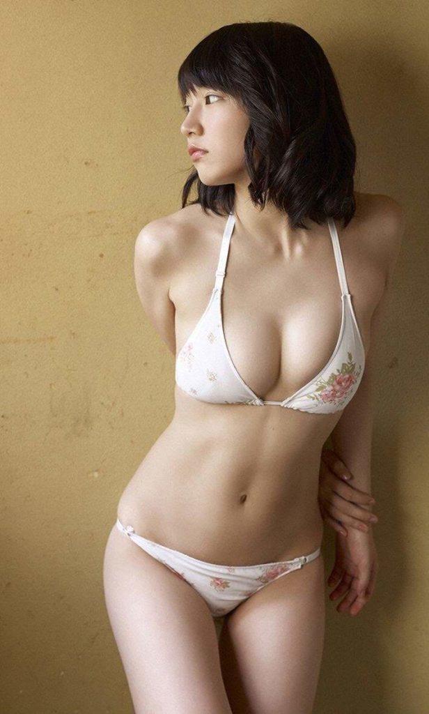 吉岡里帆 最新エロ画像60枚!巨乳清楚系であざといエロ女優!・21枚目の画像