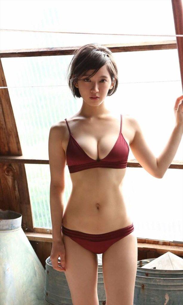 吉岡里帆 最新エロ画像60枚!巨乳清楚系であざといエロ女優!・22枚目の画像