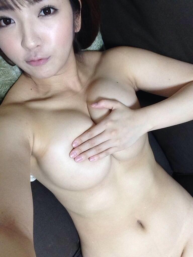 AV女優のオフショットエロ画像92連発!シンプルに抜ける!・25枚目の画像