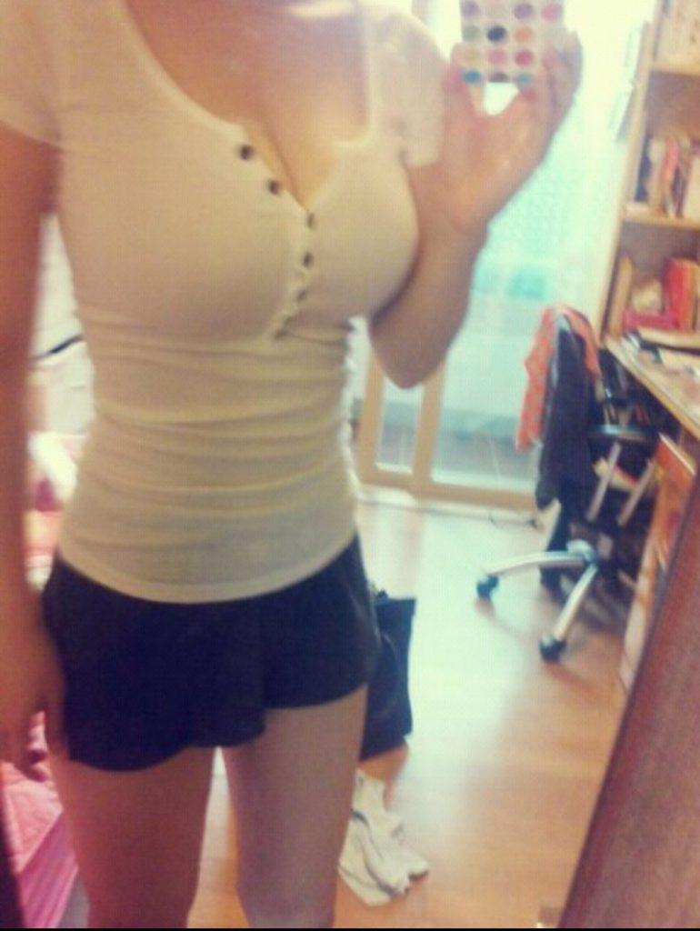 乳デカッ!韓国素人娘の着衣巨乳がけしからんエロ画像32枚・32枚目の画像