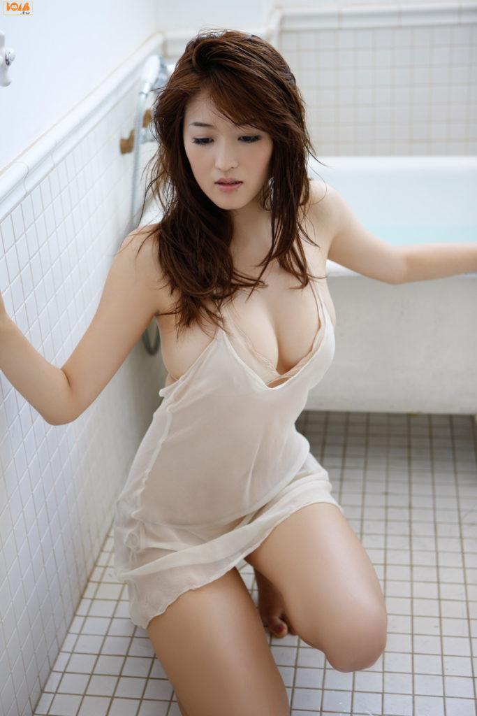 葉加瀬マイ(30)ヌード写真集&有吉反省会エロ画像80枚・29枚目の画像