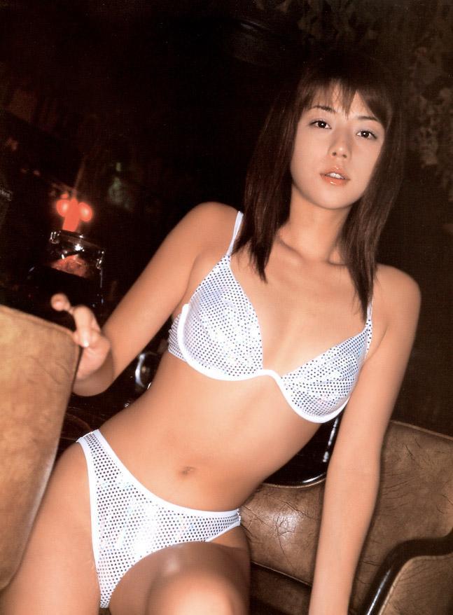 吉岡美穂(37)全盛期のヌードやグラビアエロ画像60枚・38枚目の画像