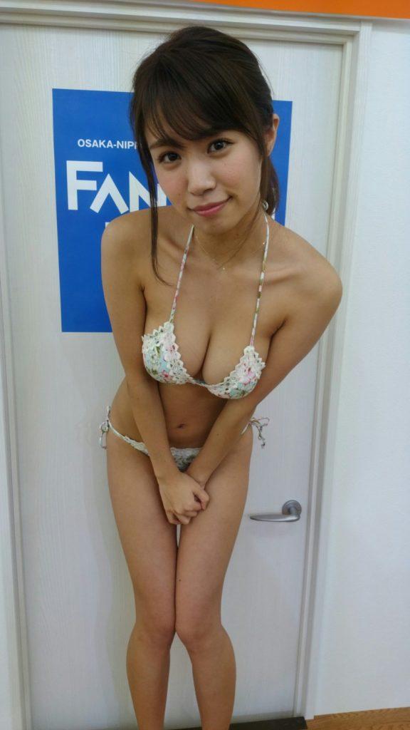 菜乃花の最新エロ画像100枚!アイコラ級のIカップグラビア!・47枚目の画像
