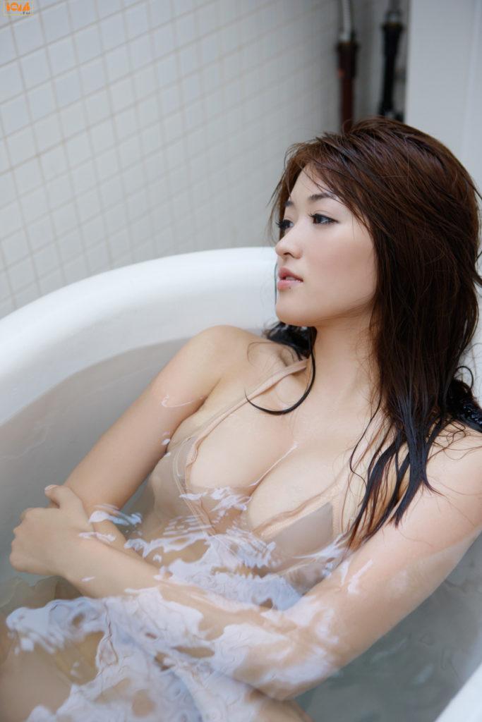 葉加瀬マイ(30)ヌード写真集&有吉反省会エロ画像80枚・39枚目の画像