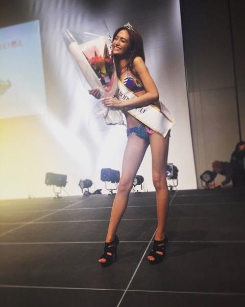 香川沙耶 エロ画像40枚!驚異の10頭身の世界一ハーフ美女が抜ける!・39枚目の画像