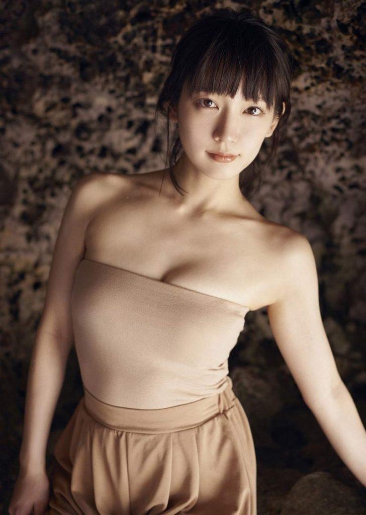 吉岡里帆 最新エロ画像60枚!巨乳清楚系であざといエロ女優!・36枚目の画像