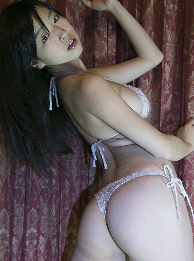 佐々木心音 濡れ場ヌードエロ画像50枚!AV女優にしか見えないエロさ…!・46枚目の画像