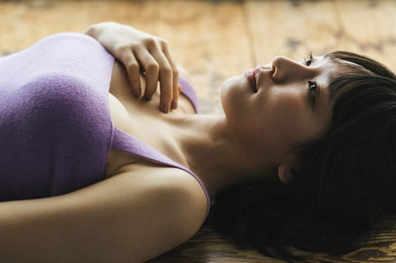 吉岡里帆 最新エロ画像60枚!巨乳清楚系であざといエロ女優!・59枚目の画像