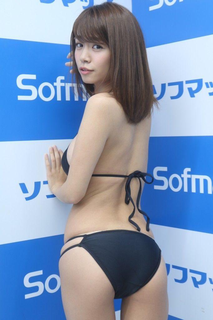 菜乃花の最新エロ画像100枚!アイコラ級のIカップグラビア!・93枚目の画像