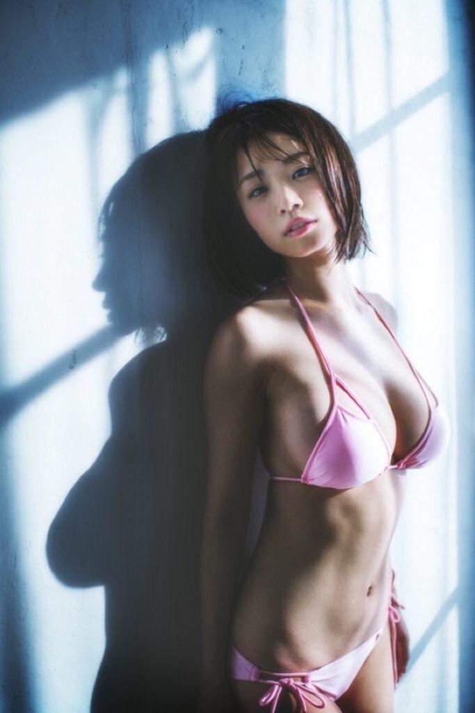 菜乃花の最新エロ画像100枚!アイコラ級のIカップグラビア!・97枚目の画像