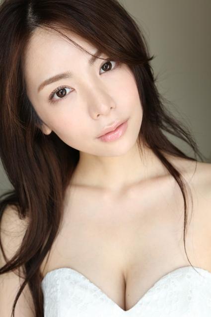 (逸材)仲村美海(24)の新人初グラビアえろ写真