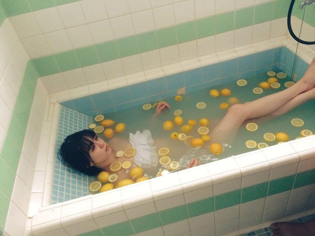 NMB48・市川美織(23)のフレッシュレモンのヌけるグラビアえろ写真48枚