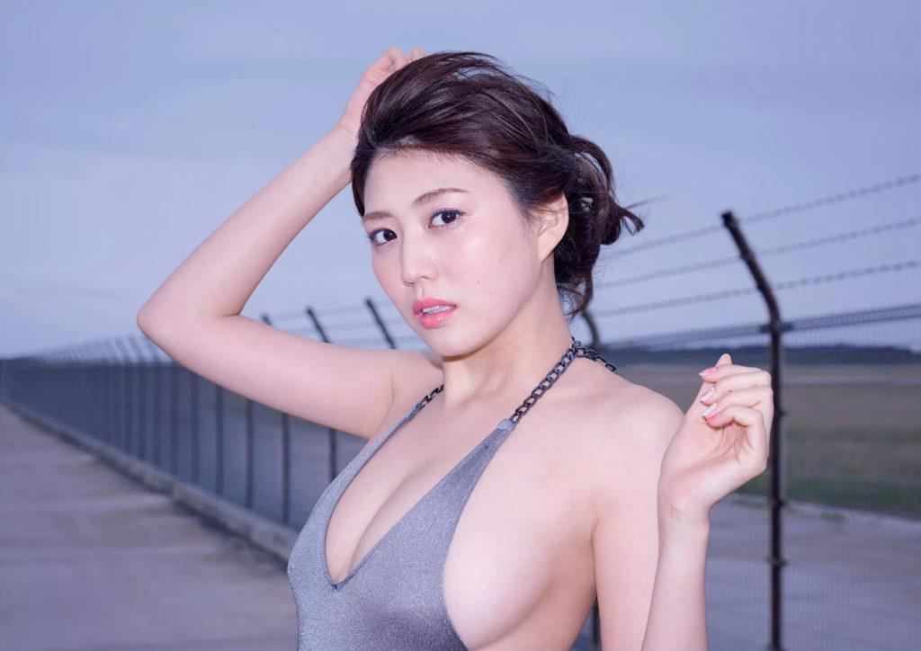 岩崎名美(20)Fカップ最新グラビアエロ画像32枚・3枚目の画像