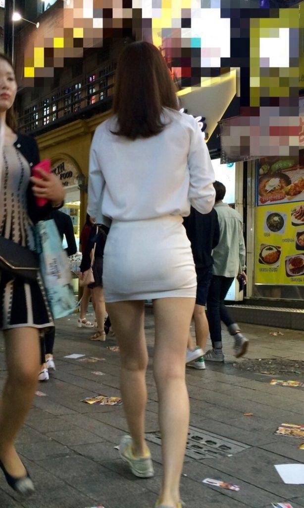 透けパンしてる素人娘の街撮り盗撮エロ画像36枚・9枚目の画像