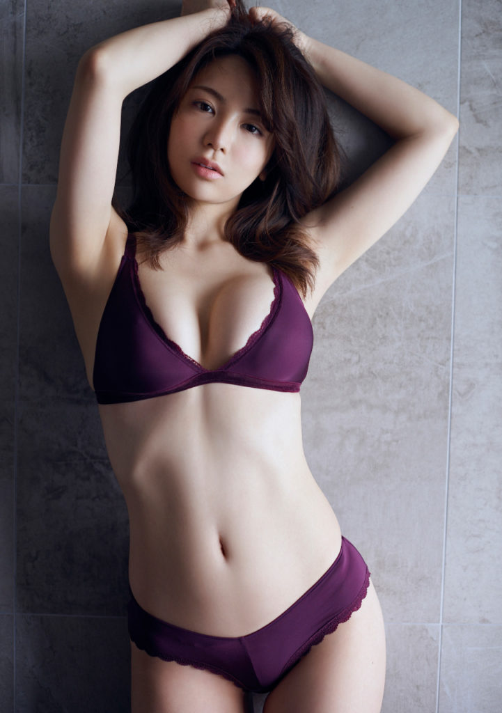 【逸材】仲村美海(25)の新人初グラビアエロ画像96枚・26枚目の画像
