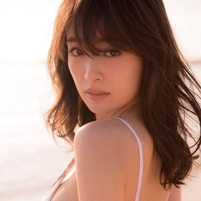 モデル泉里香(28)の水着写真集&最新グラビアエロ画像140枚・31枚目の画像