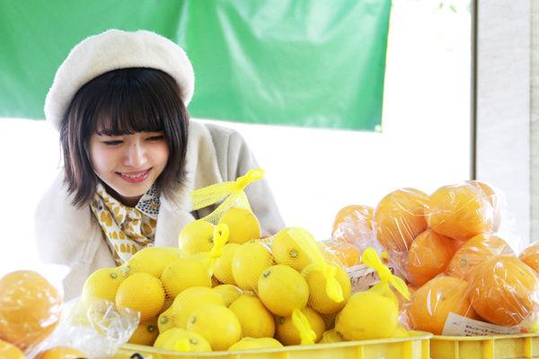 NMB48・市川美織(23)のフレッシュレモンの抜けるグラビアエロ画像48枚・12枚目の画像