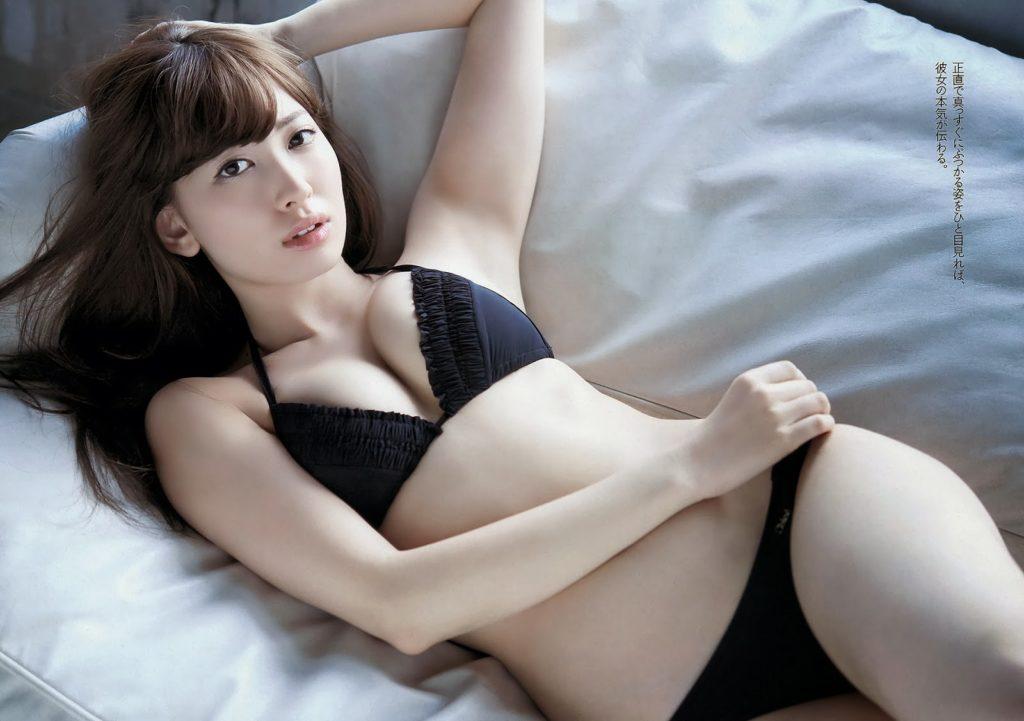 小嶋陽菜のラストグラビアエロ画像24