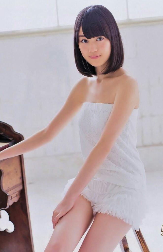 乃木坂46生田絵梨花(20)ヌードに見える透明感溢れる最新グラビアエロ画像22枚・16枚目の画像