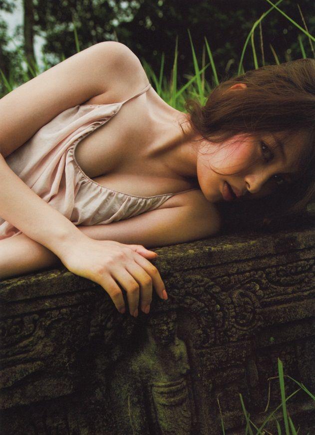 大政絢(26)超絶美女のヌード&アイコラエロ画像50枚・17枚目の画像